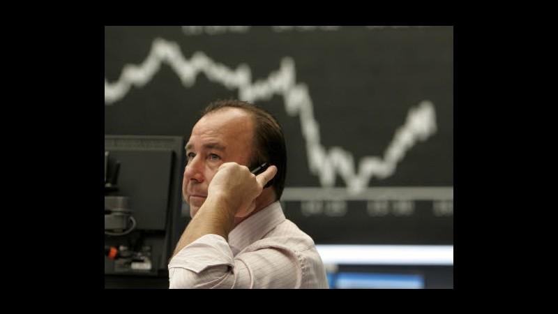 Borsa, Milano chiude in rialzo: rally banche, brilla Telecom