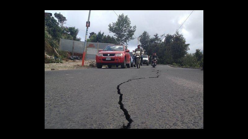 Guatemala, terremoto 7.4 nel Pacifico: almeno 39 morti