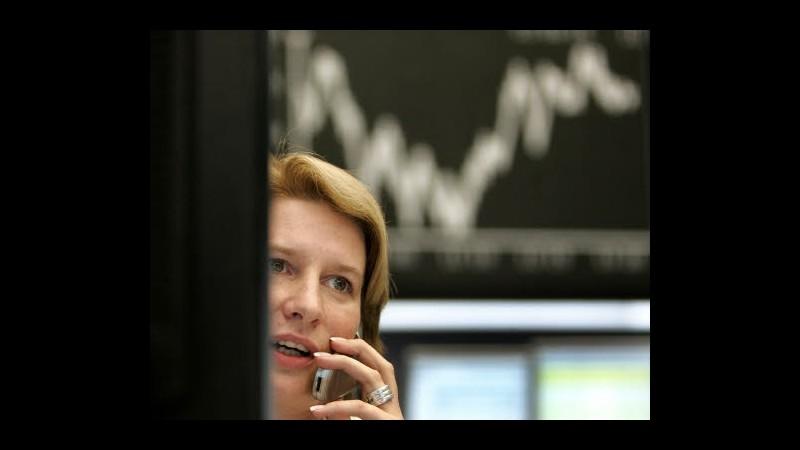 Borsa, Milano chiude in positivo su effetto spread, vola Telecom