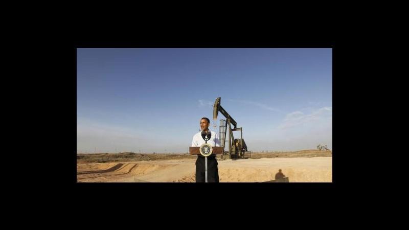 Petrolio poco mosso in Asia in attesa di sfida Obama-Romney