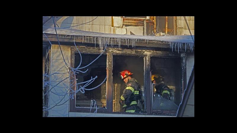 Usa, incendio in casa bifamiliare a Minneapolis: 5 morti, 3 sono bimbi