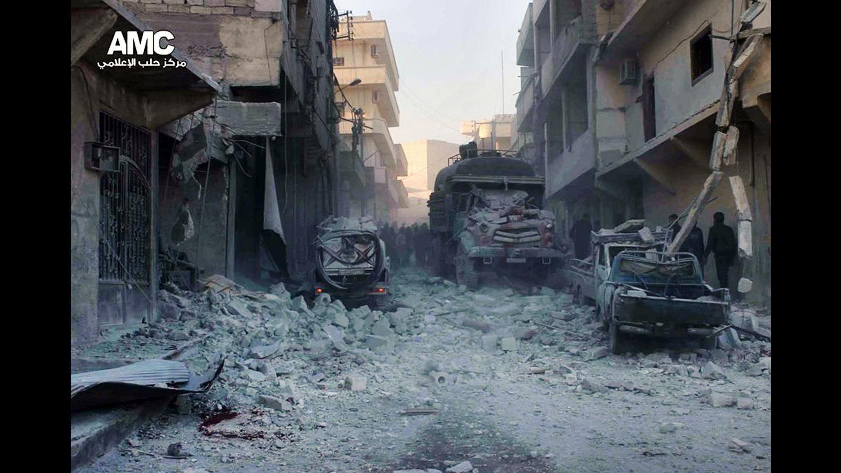 Siria, attivisti: Almeno 4.959 morti da inizio colloqui Ginevra 2