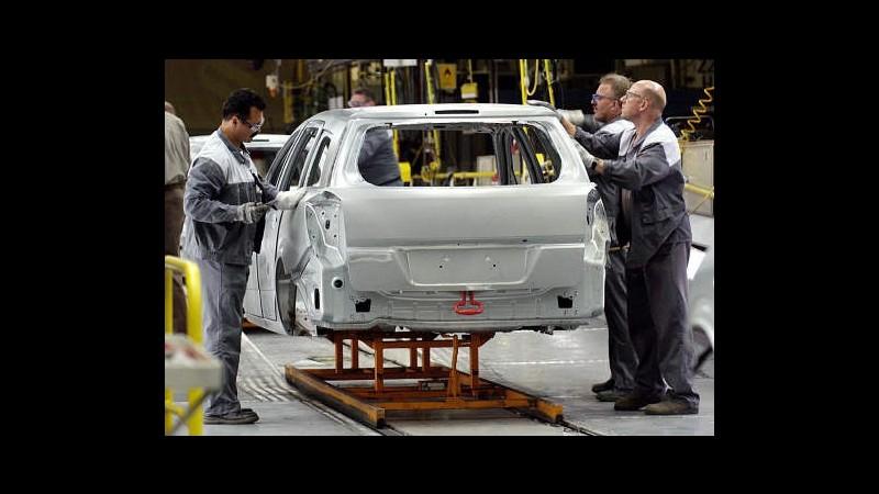 Eurozona, produzione industriale -0,7% a dicembre, -0,8% nel 2013