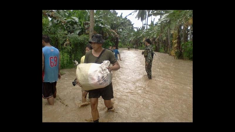 Oltre 200 le vittime del tifone Bopha nelle Filippine