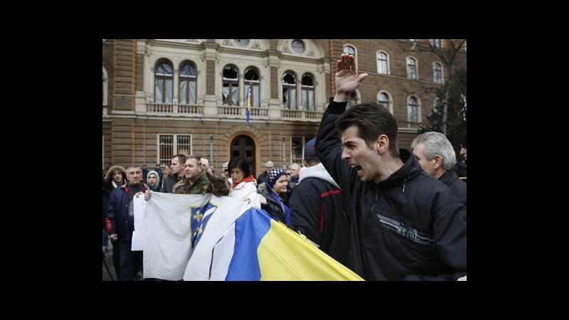 Bosnia, migliaia in piazza per 6° giorno: chiedono governo tecnico