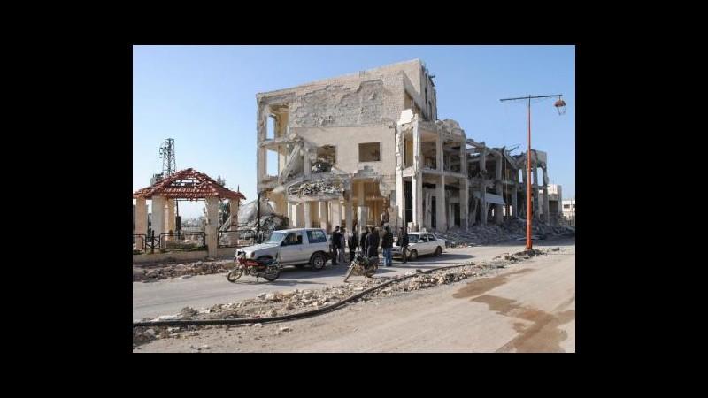 Siria, Unhcr: Circa 250mila sfollati a Homs, mancano prodotti di base