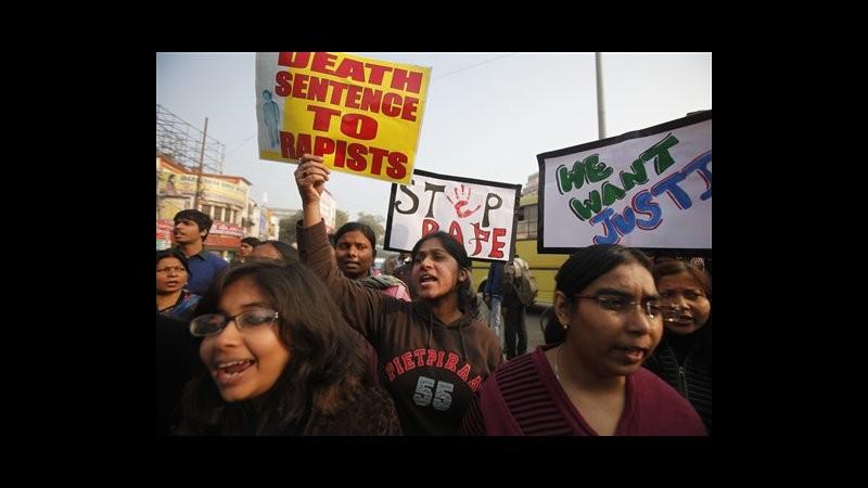 India, premier su stupro Nuova Delhi: Sicurezza donne priorità governo