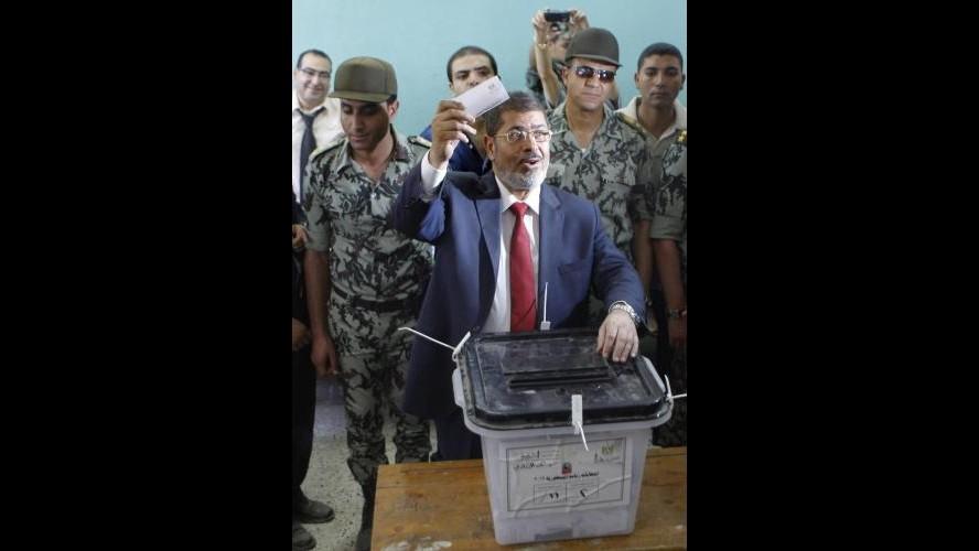 Egitto, Morsi: Nuova Costituzione è base Seconda Repubblica