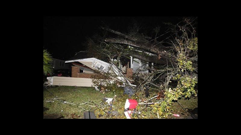 Usa, tempesta di Natale con tornado e vittime, punta verso costa Est