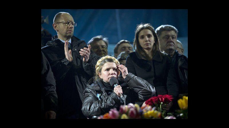 Ucraina, Yanukovych rimosso e via da Kiev. Tymoshenko al Maidan: Non è finita