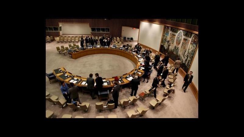 Siria, Consiglio Onu chiede all'unanimità accesso aiuti umanitari
