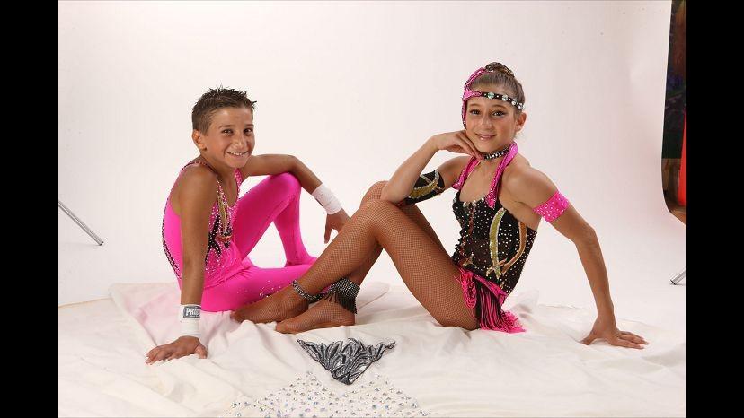 Circo, 11enne fa triplo salto mortale bendato al trapezio: è record