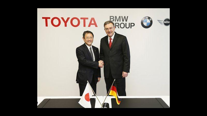 Auto, accordo Toyota-Bmw a lungo termine per mobilità sostenibile