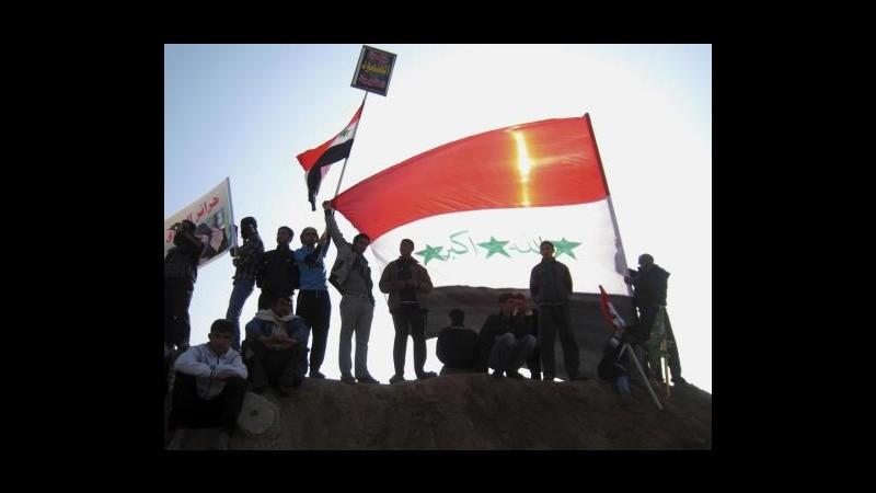 Iraq, dimostrante si dà fuoco a Mossul per protesta contro il governo