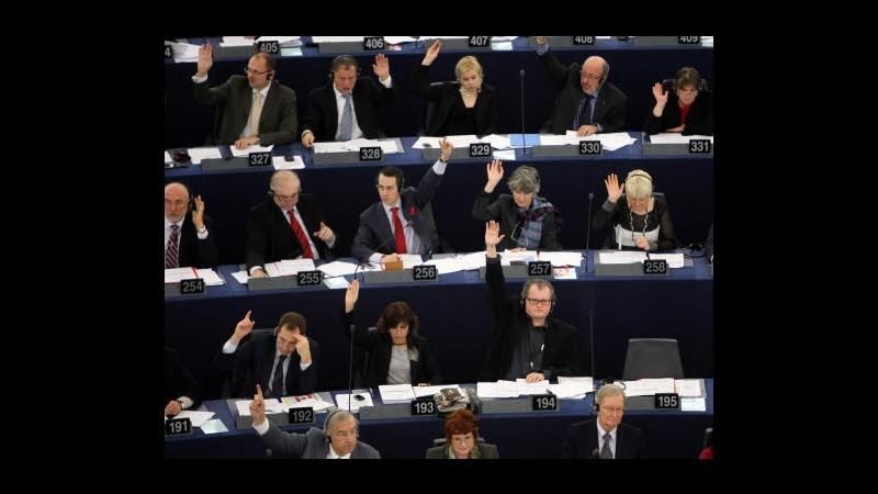 Crisi, da Europarlamento via libera a stretta su agenzie rating