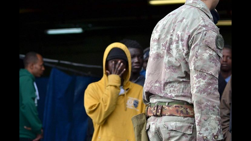 Camera: Ok depenalizzazione reato clandestinità e pene alternative al carcere