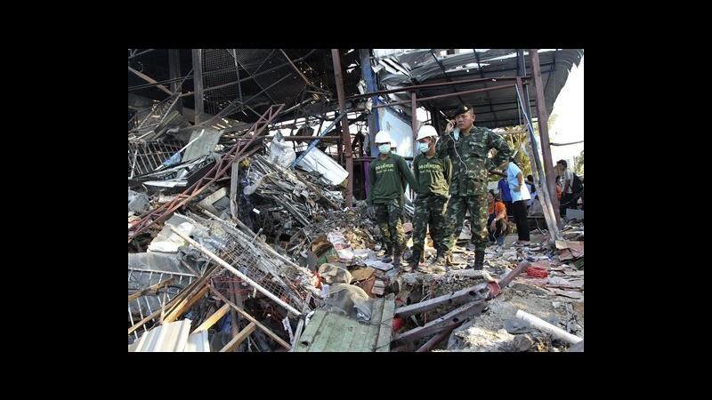 Thailandia, bomba II guerra mondiale esplode in negozio Bangkok: 7 morti
