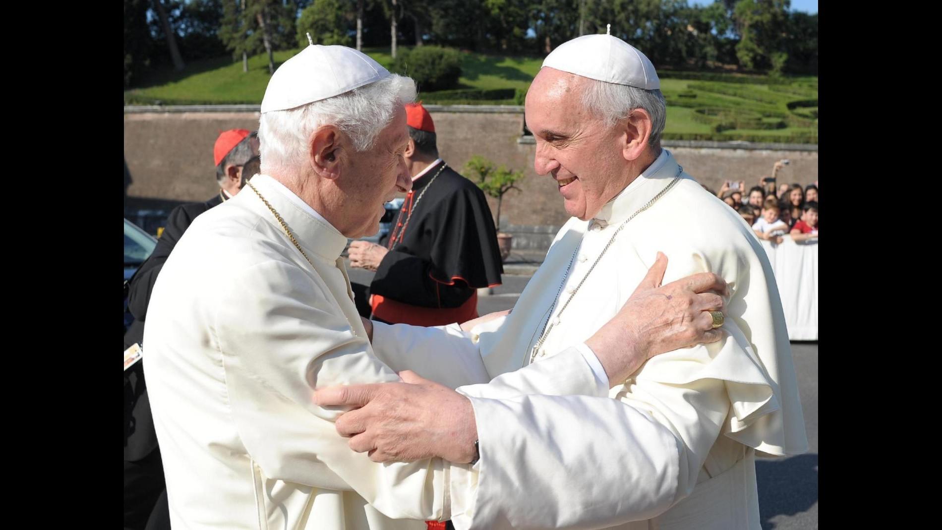Canonizzazioni, Benedetto XVI concelebrerà con Papa Francesco