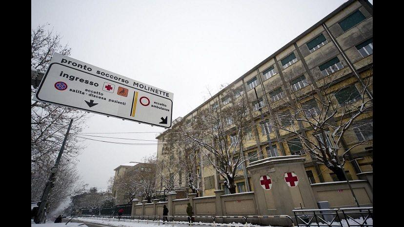 Torino, esplode ordigno in campagna: tre ragazzi feriti