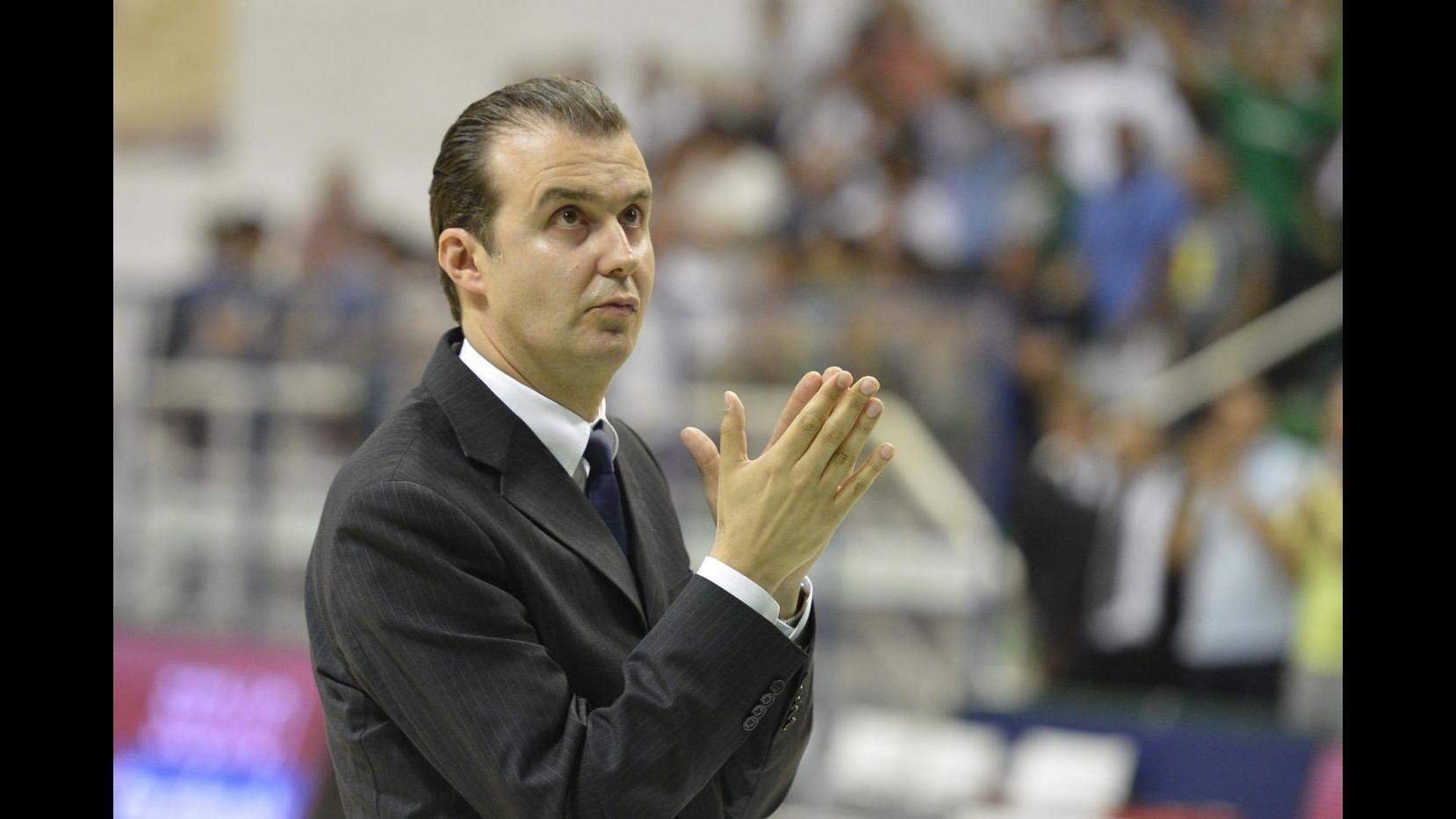 Basket, Simone Pianigiani lascia la panchina del Fenerbahce