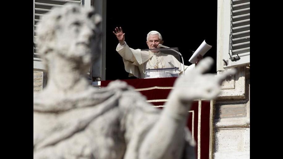 Benedetto XVI: Dio mi chiama sul monte, ma non abbandono chiesa
