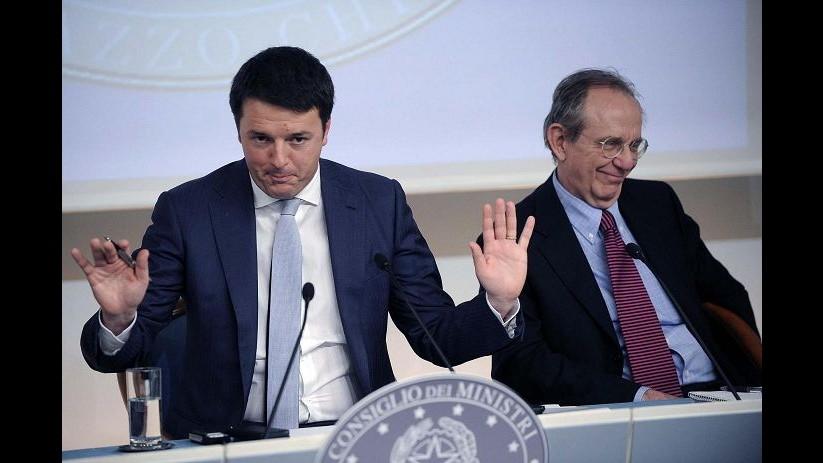 La rivoluzione targata Renzi in 10 tweet: da auto blu a 80 euro