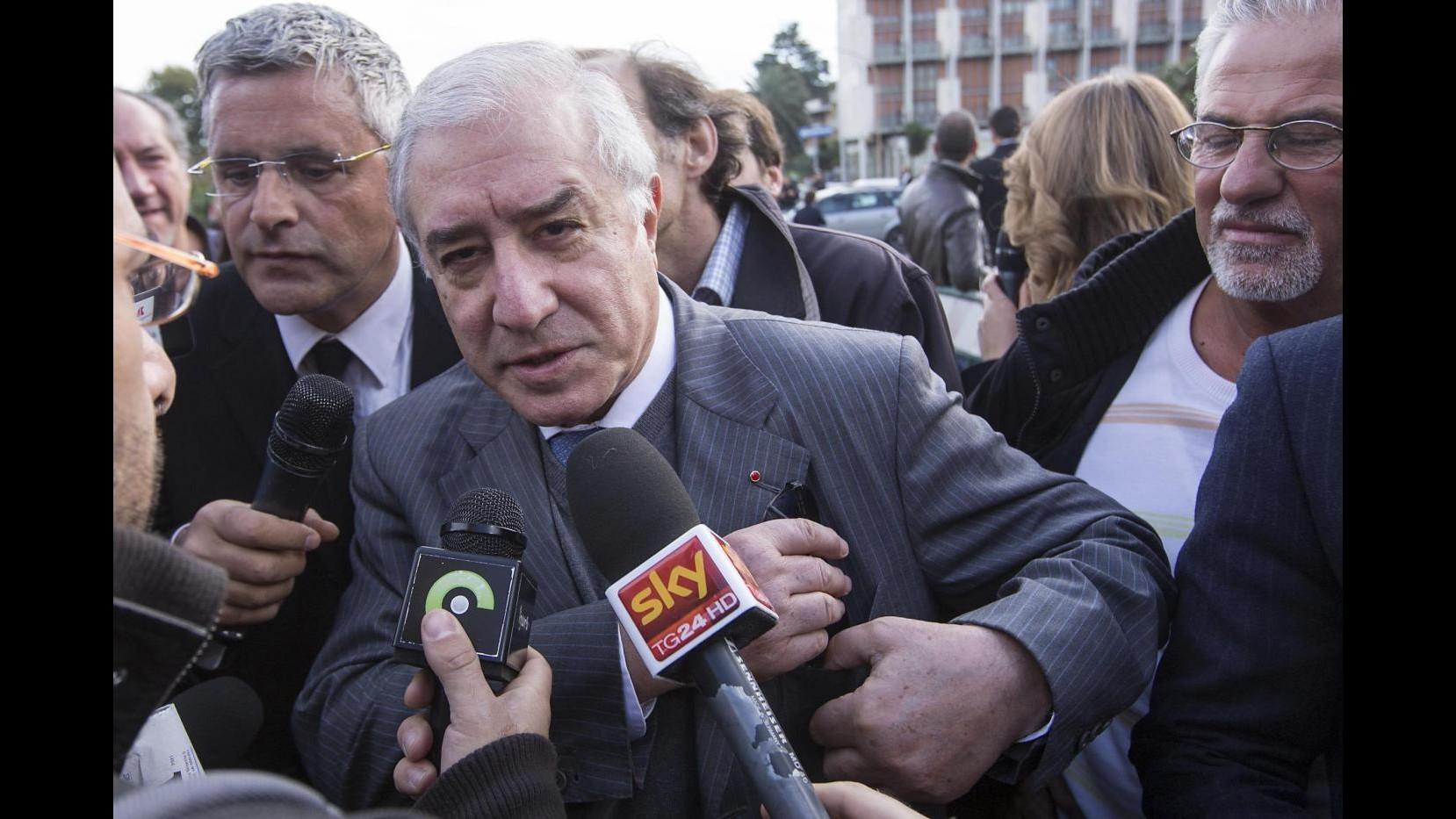 Dell'Utri trasferito in ospedale, inviati Corriere e Repubblica fermati da polizia