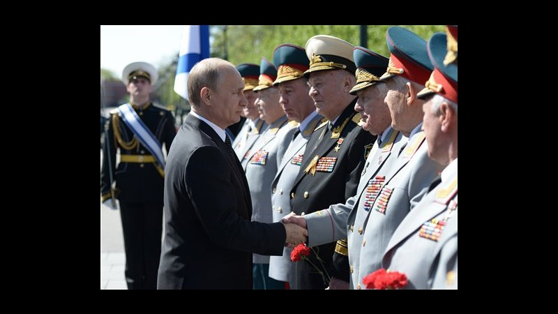 Russia, al via parata della vittoria in piazza Rossa, presente Putin
