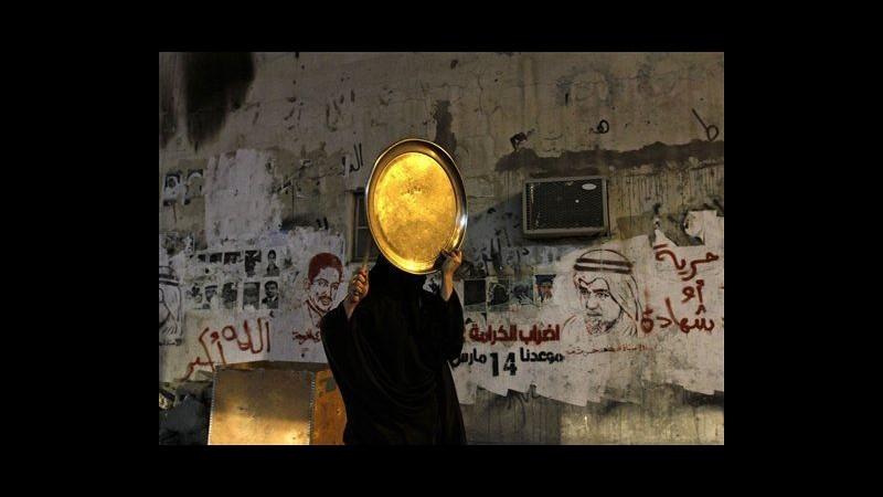 Bahrain, arrestati 6 attivisti: hanno diffamato re su Twitter