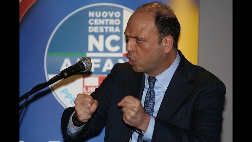 Spari C.Italia, Alfano: Sto pensando al Daspo a vita