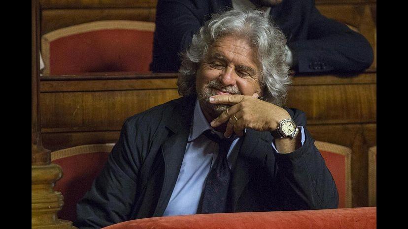 Primo maggio, Grillo cita Pelù in apertura del blog