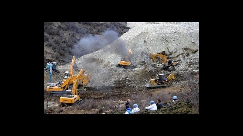 Cina, frana su miniera: estratta una vittima, 82 ancora dispersi
