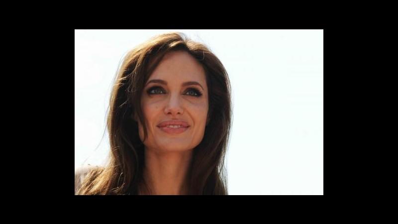 Angelina Jolie un anno dopo: La mastectomia fu la scelta giusta
