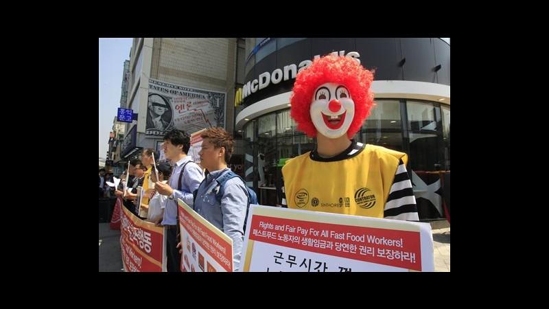 Giornata di proteste di dipedenti fast food in Usa e in altri 30 Paesi