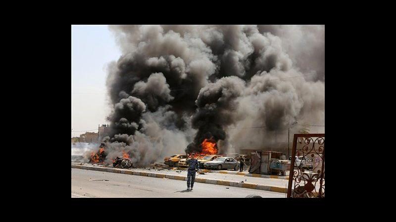 Iraq, ondata di autobombe a Baghdad contro sciiti: 28 morti, 75 feriti