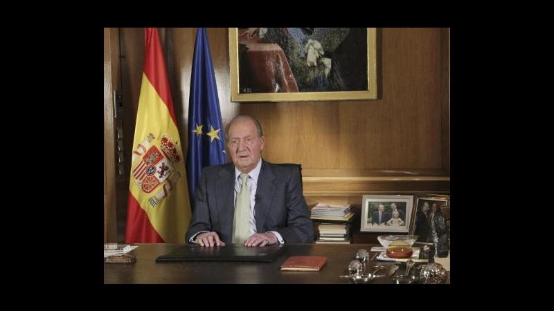 """Spagna, Juan Carlos abdica in favore del figlio. """"Felipe è pronto a regnare"""""""