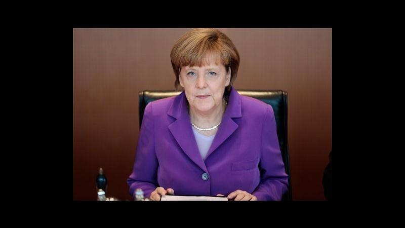 Europee, Merkel: Juncker dovrebbe diventare presidente Commissione Ue