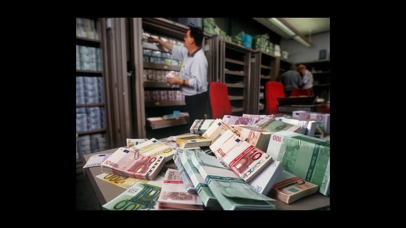 Istat: Pressione fiscale record al 52% nel IV trimestre 2012