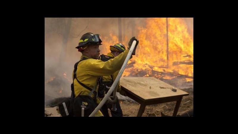 Usa, gigantesco incendio in Alaska: evacuate oltre mille strutture