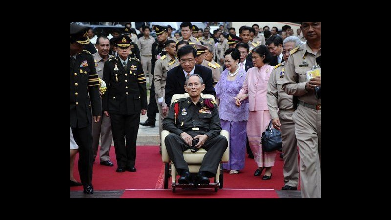 Thailandia, re colpito da infezione polmonare: ora condizioni stabili