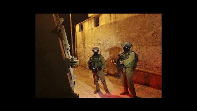 Israele passa all'offensivaRaid a Gaza, 80 arresti in Cisgiordania
