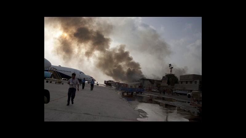 Pakistan, riaperto aeroporto di Karachi dopo assalto armato