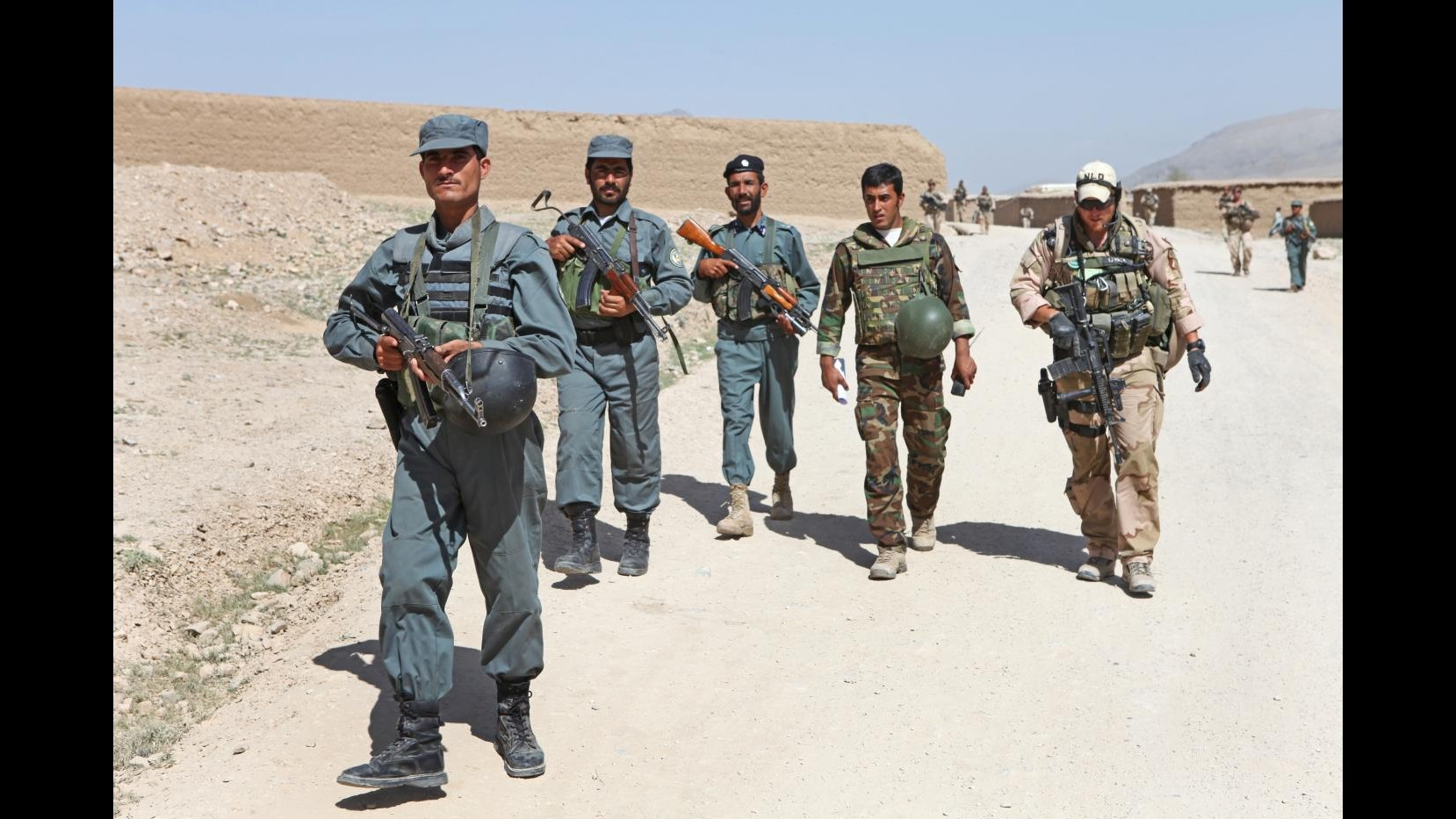 Afghanistan, attacco contro base polizia nell'est: muore guardia
