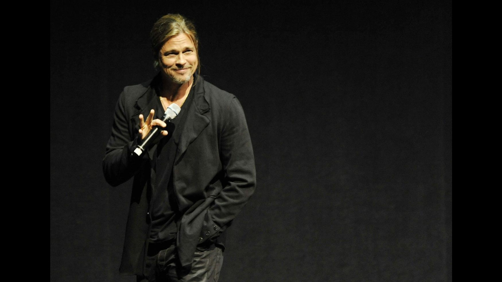 Brad Pitt arriva a sorpresa al CinemaCon per parlare di 'World war Z'