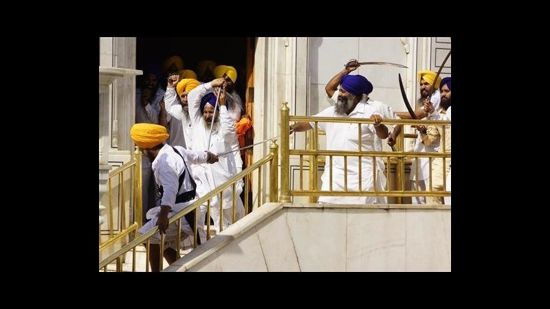 India, scontri nel tempio sikh ad Amritsar: 6 feriti, 50 arresti