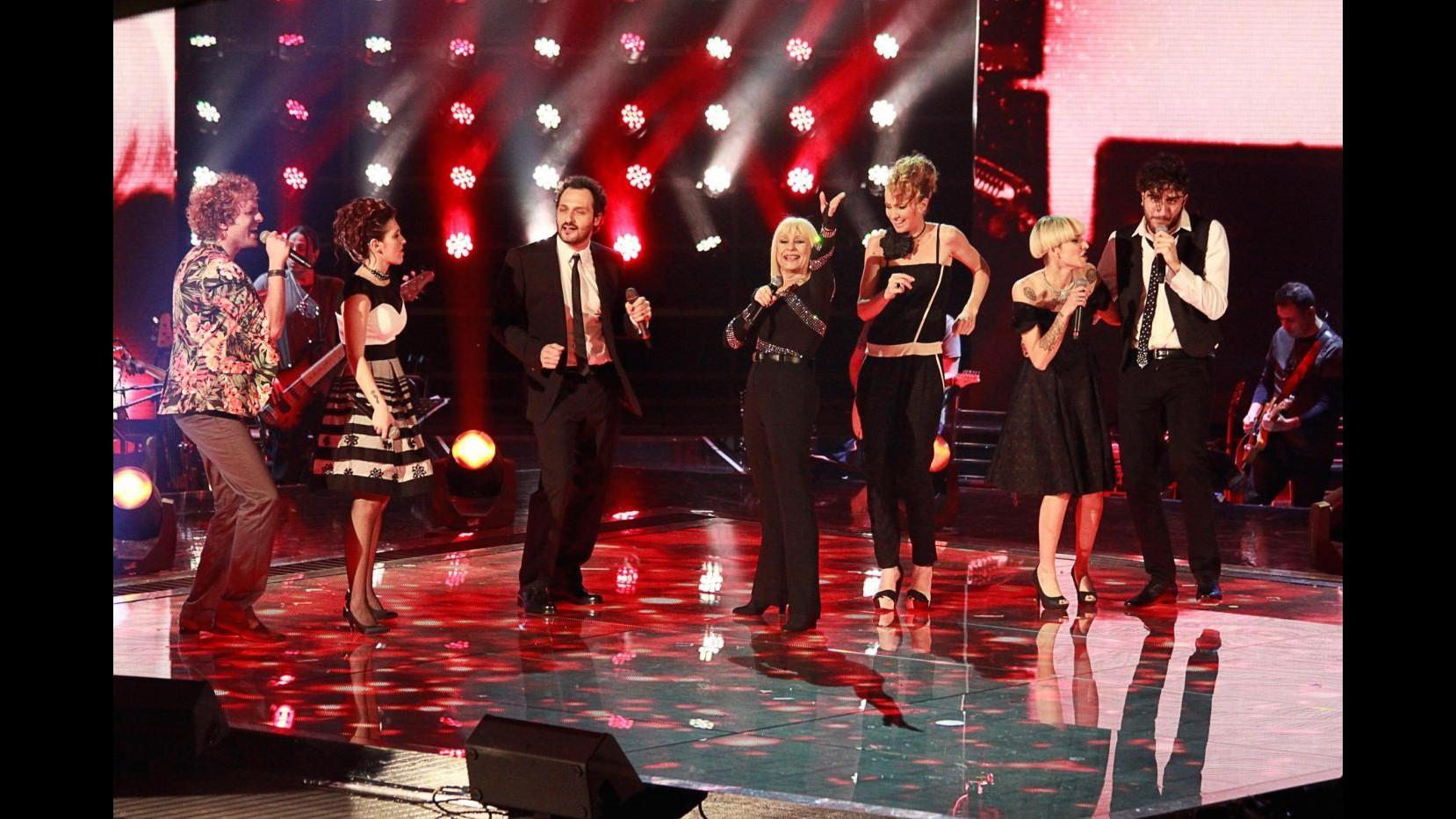Rai2, a 'The voice of Italy' 12 voci superano la terza 'Live'