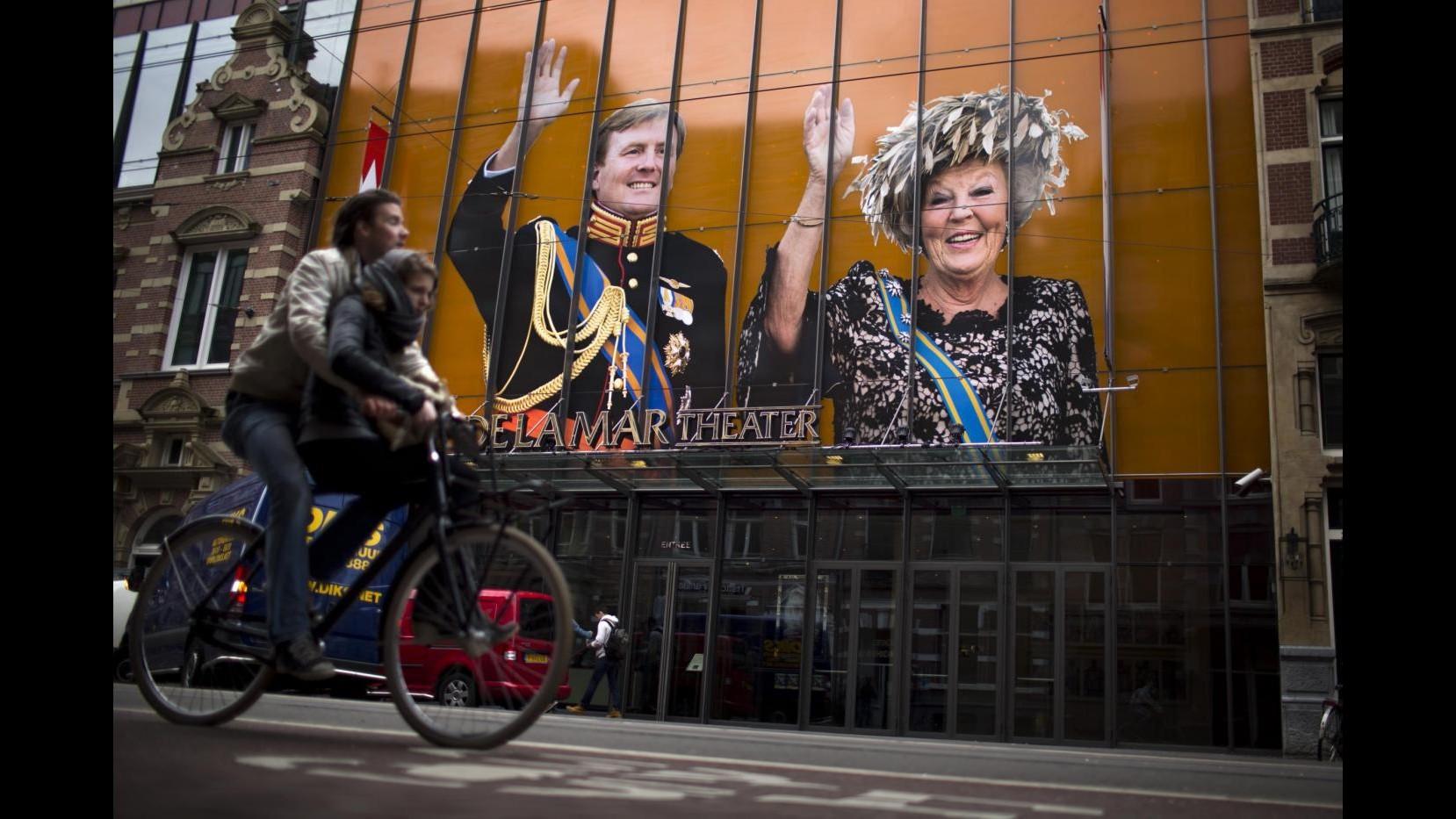 Olanda, Beatrice firma abdicazione: Guglielmo Alessandro nuovo re