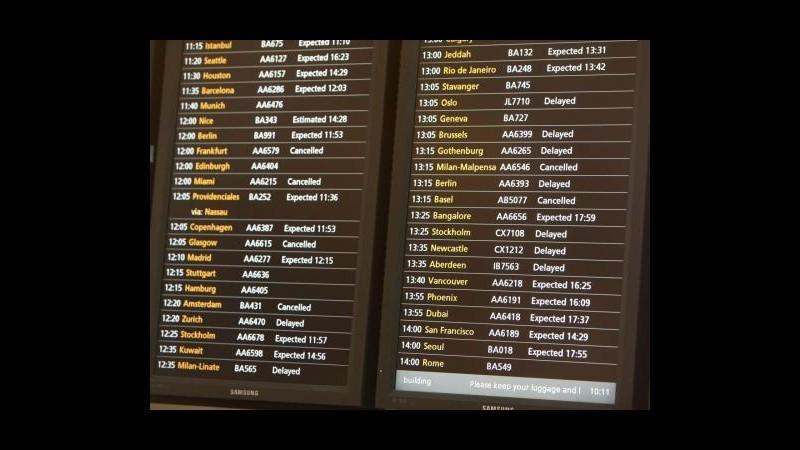Londra, aeroporto di Heathrow chiuso per atterraggio d'emergenza
