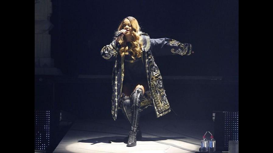 Rihanna cita catena abbigliamento Topshop: Mi vendono senza permesso