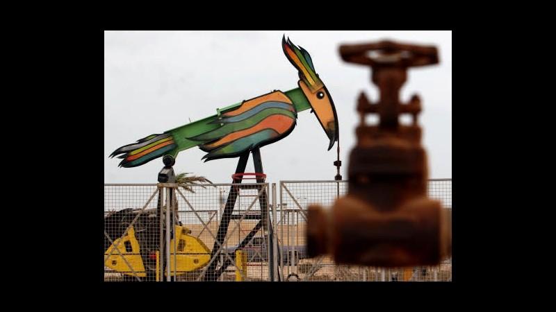 Petrolio cala sotto 94 dollari in Asia su aumento scorte Usa
